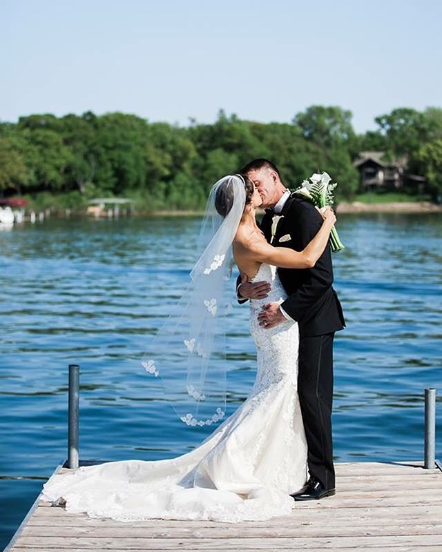 Oh, Minnesota. We wait all year for a picture perfect day like this. Thank you! 💙  #mnwedding #lakewedding #whitebearlake #yachtclub #minnesotawedding #minnesota #minnesotawedding #summerwedding #nauticalwedding #minnesotasummer