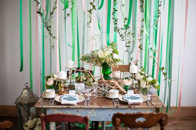 Happy St. Patty's Day! Remembering this emerald-inspired styled wedding shoot + how we incorporated so many luscious green tones! @mfrancisdesign  @theblisslife_events @mlemmoore  #styledshoot #styledwedding #greenwedding #emeraldwedding #stpattyday #stpattydaywedding #weddingideas #weddinginspiration #weddingsbybernadette #weddingphotographer #weddingstyle #weddingdecor #weddingstationery #weddingdesign #mnwedding #minnesotawedding #mplswedding #minneapoliswedding #menucards #weddingmenucards