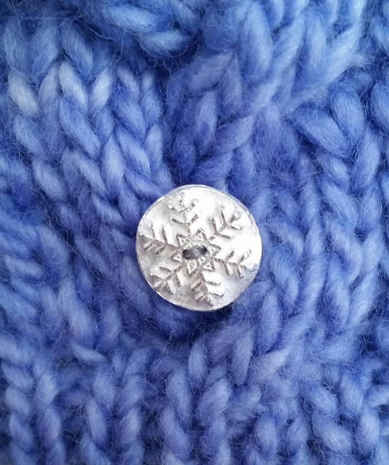 Fine silver snowflake button