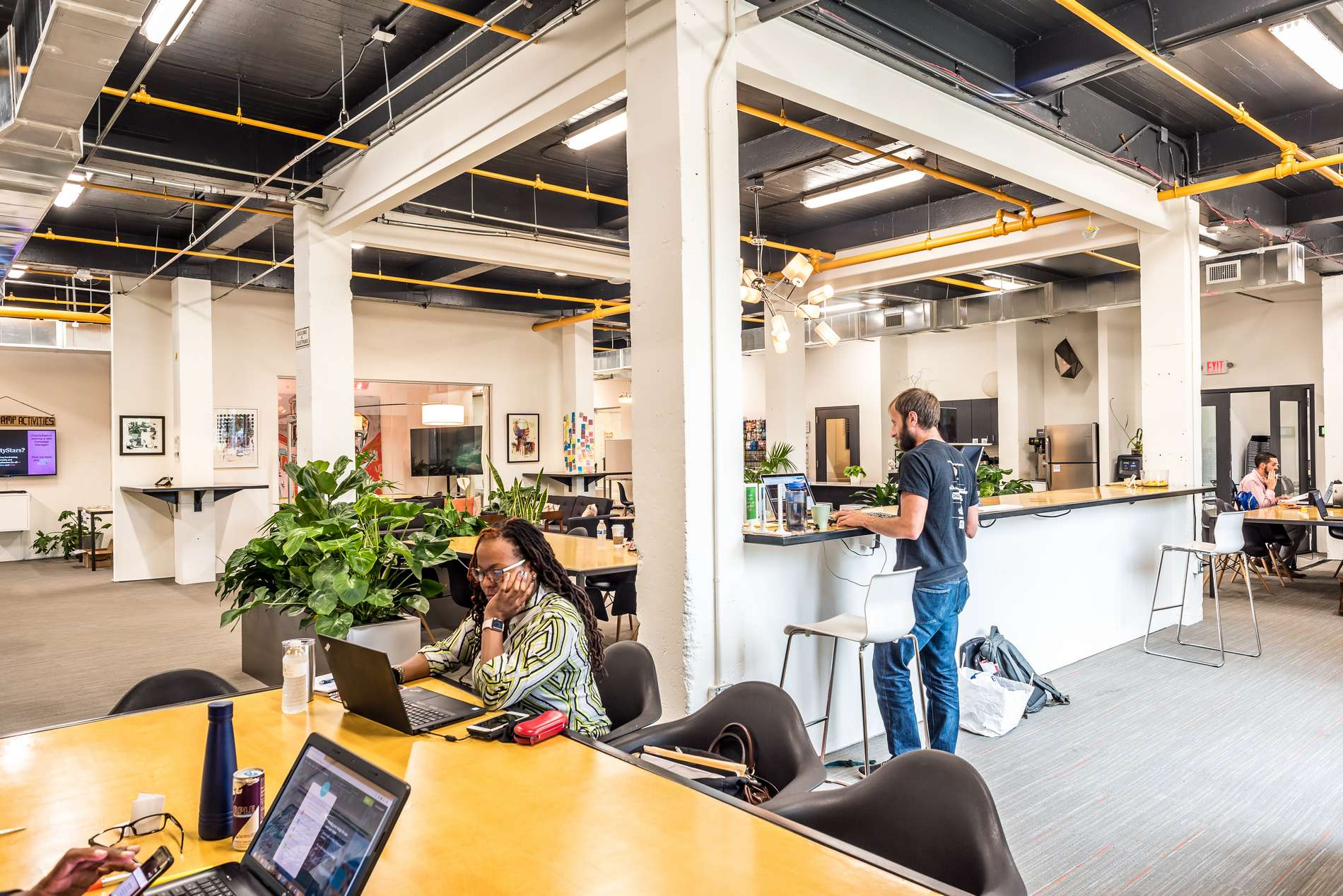Advent co-working offers a great space to conduct a job search and to network