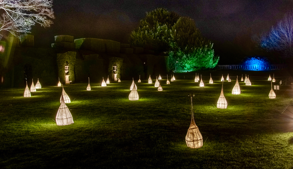 Spectacle-of-light-2018-sudely-castle-illumination-paper-lamps-2.jpg