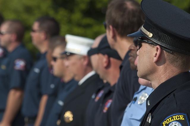 Police group - P 640.jpg