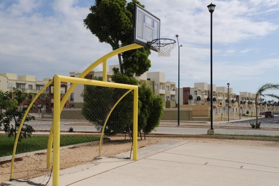 Parque Central Equipado con Cancha Fútbol Rapido y Basket-Ball