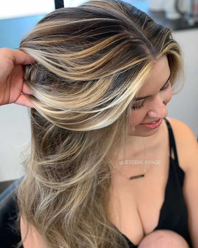 Still swooning over this class I filmed last week! •Add dimension and pop with grey blending• 🥰 Tag a hair friend - I'll post a preview video of this technique when I hit 20 comments ♥️. . Xo Jess.