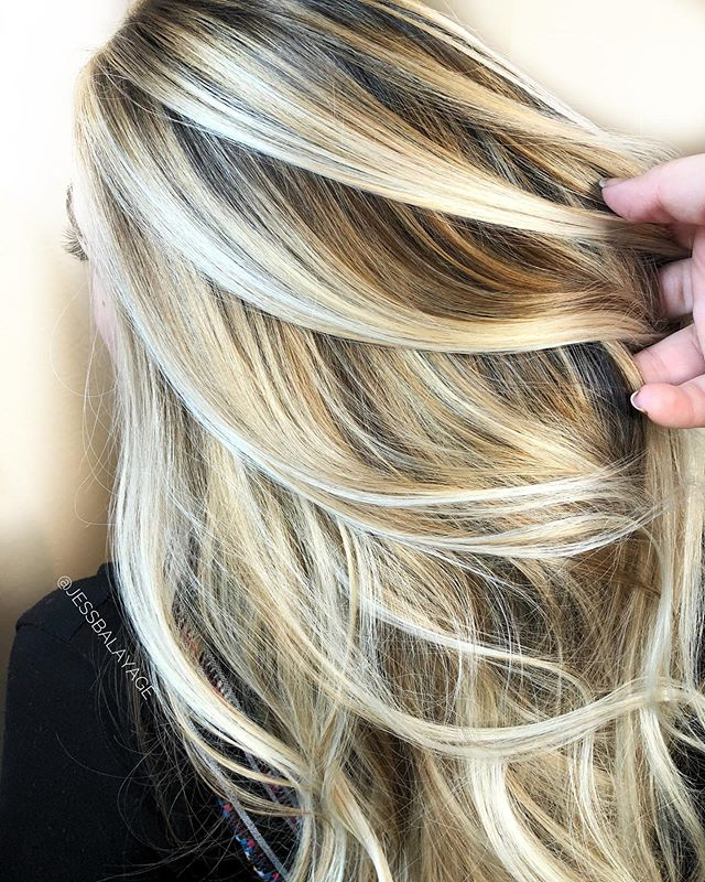 A couple spots opened up tomorrow! 🙋🏼‍♀️ who needs fall hair!? . . .  #edmondssalon #edmondsbalayage #hairpainters @hairpainters  #edmondshairstylist #edmondshair #hairdiaries #coloristdiaries #momvlogger #blondelife #balayageclass #privatebalayageclasses #hairdressercoach #hairdressermentor #colormentor #colorlife #balayage #pnwbalayage #colormelt #ombre #highlights #blondespecialist #blondebalayage #balayageexpert #hairpainting #hairpaintingpro #comsoprofbeauty #licensedtocreate @cosmoprofbeauty #schwarzkopfprofessional @schwarzkopfusa #blondme #blondmebalayage