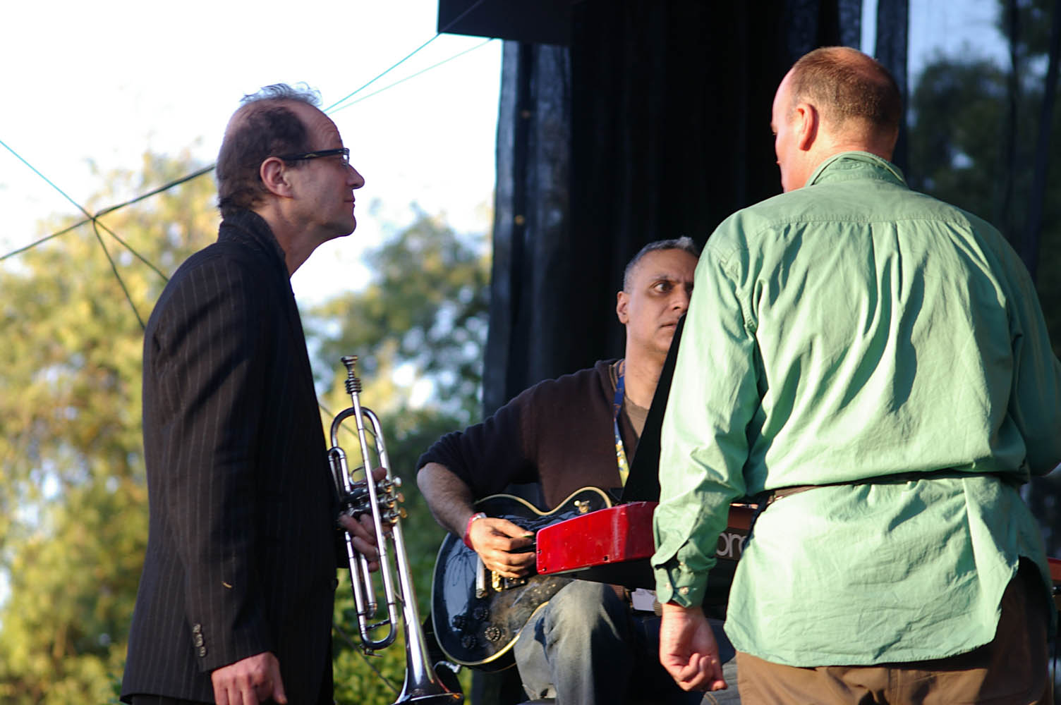 WOMADelaide_All-Star_Gala_set-up_20110314_33_Paul_Brody_+_Nitin_Sawhney_+_PG.jpg