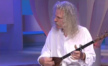Stankina  by Ross Daly    Played by Ross Daly's Australian Labyrinth    Philip Griffin (oud) -Melbourne 2001