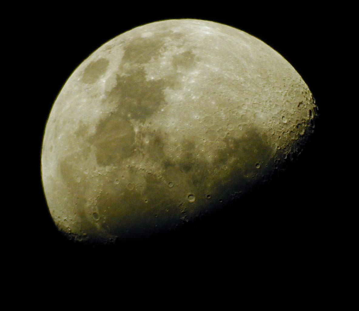 Moon_20061002_North_Adelaide_SA_1.jpg