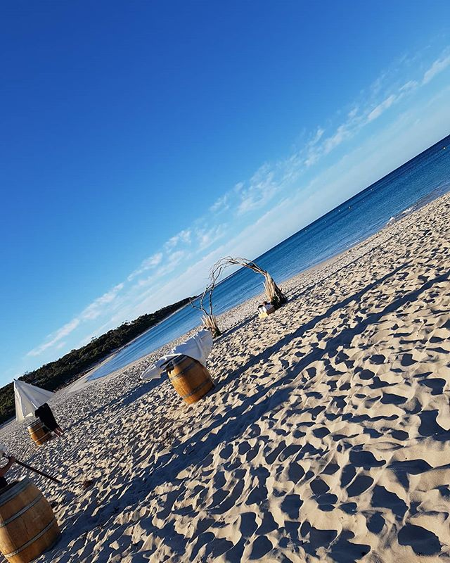 another wedding done and dusted, congratulations 🥂 Mr and Mrs Klopper, what beautiful weather for a beach wedding ☀️🌊☂️💍 #barrelsandbrellas #cloutzeventhire #beachweddings #beautiful #sunny #weddings