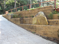 treated-pine-retaining-wall-th
