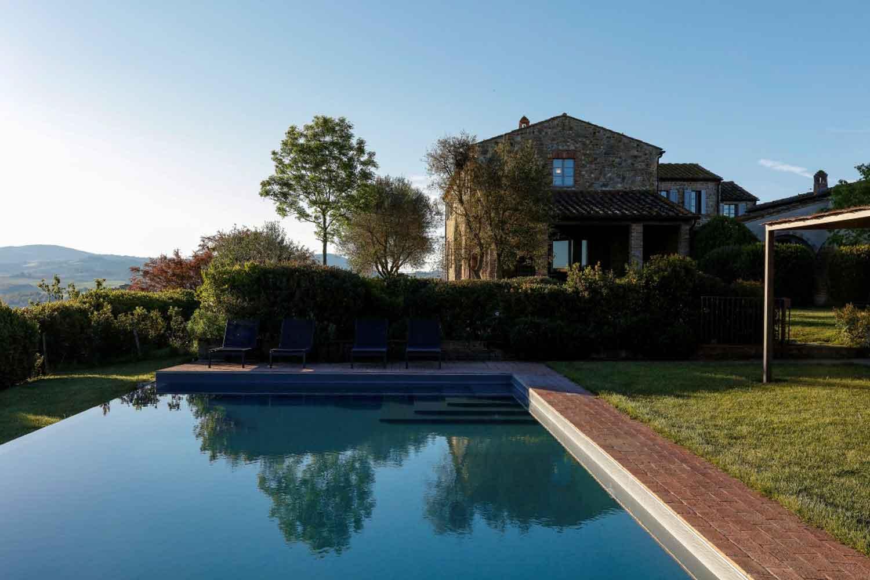 tuscan_pool_1500.jpg