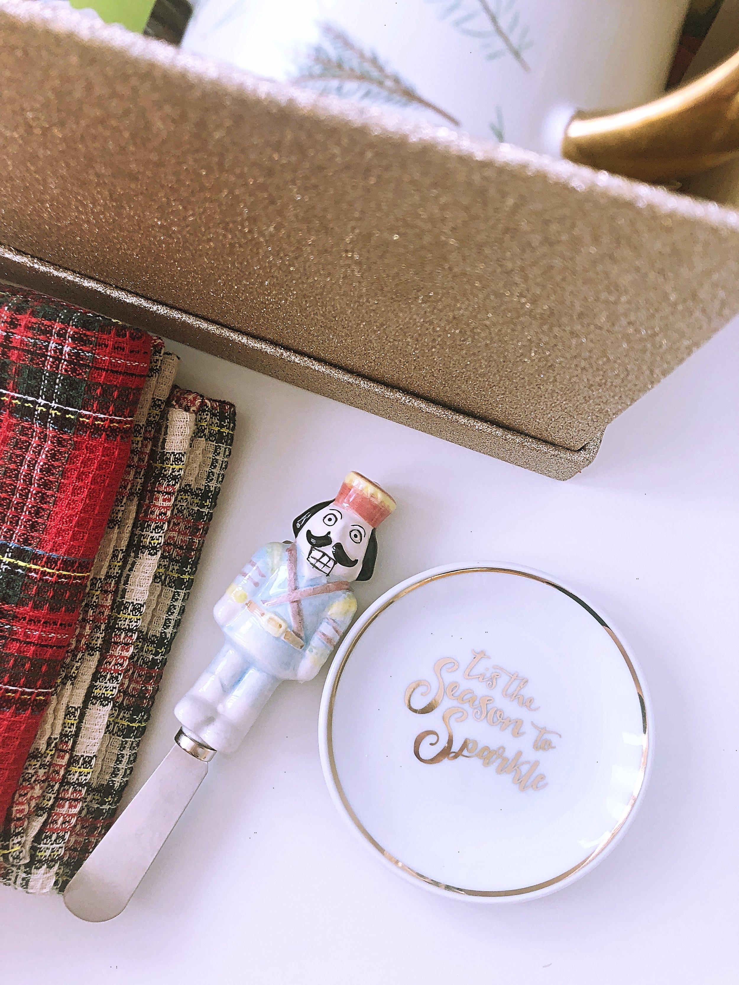 gift box 11.jpg