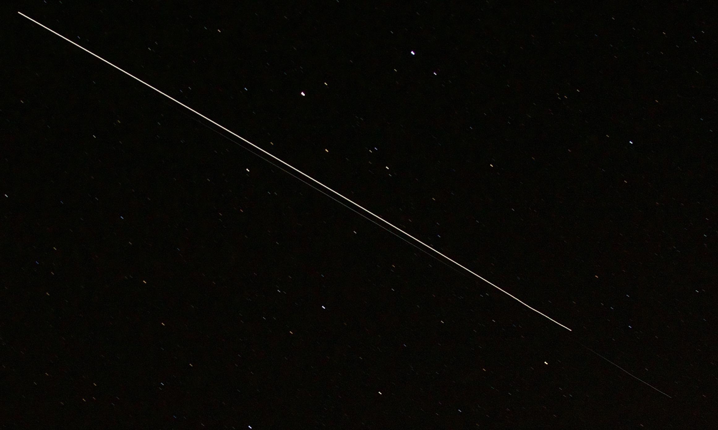 ISS and Dragon capsule flying overhead in Bellingham, WA on April 16, 2015 (Photo credit: Matt Greenstreet)
