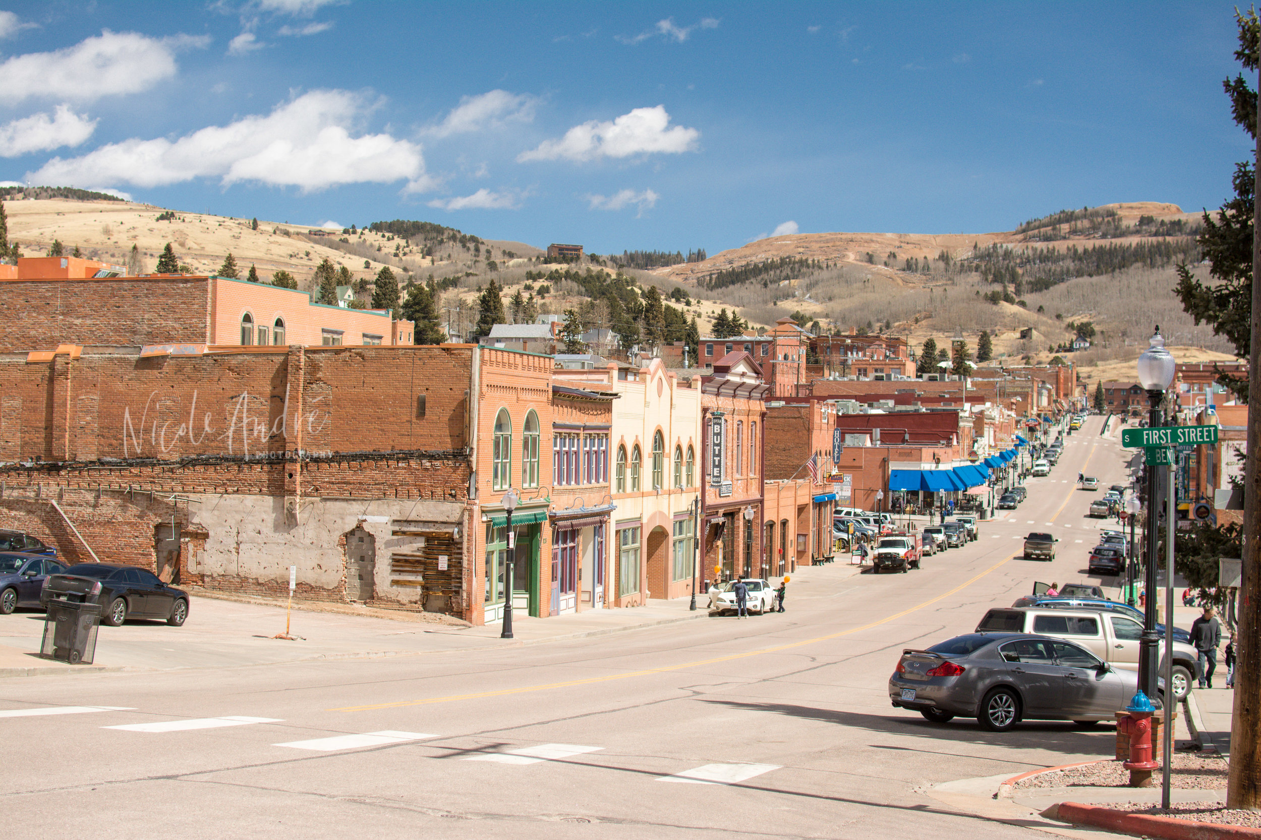 The main street in Cripple Creek.  It is lined mainly with a few empty buildings, some restaurants and a ton of casinos.  BUT, that view is so pretty and even though it is over 9000 feet up, the mountains still feel huge.