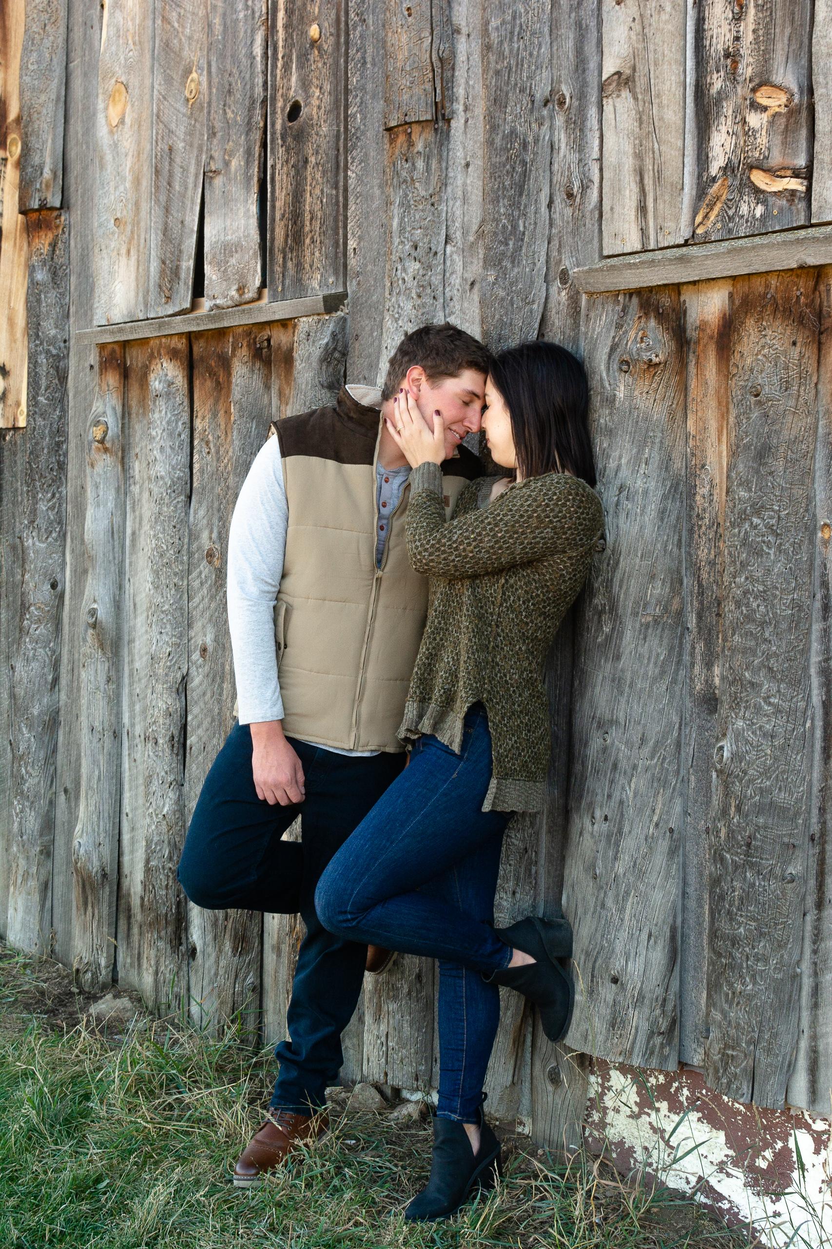 couples photos with barn