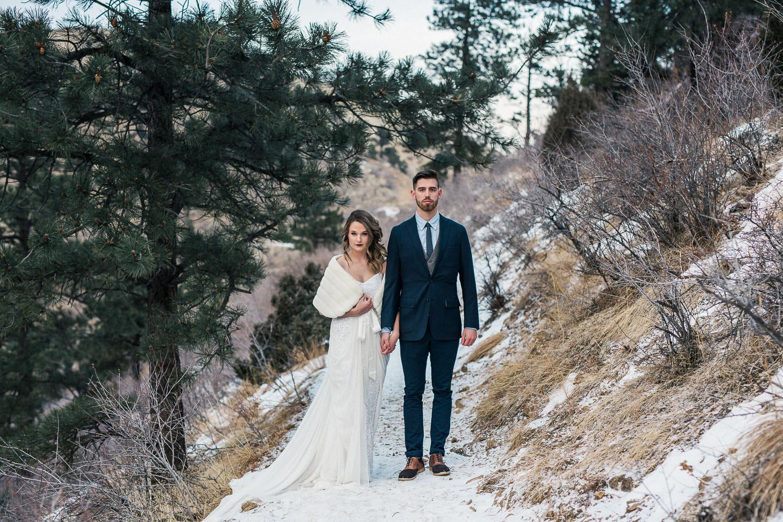 Colorado mountain wedding couple pictures