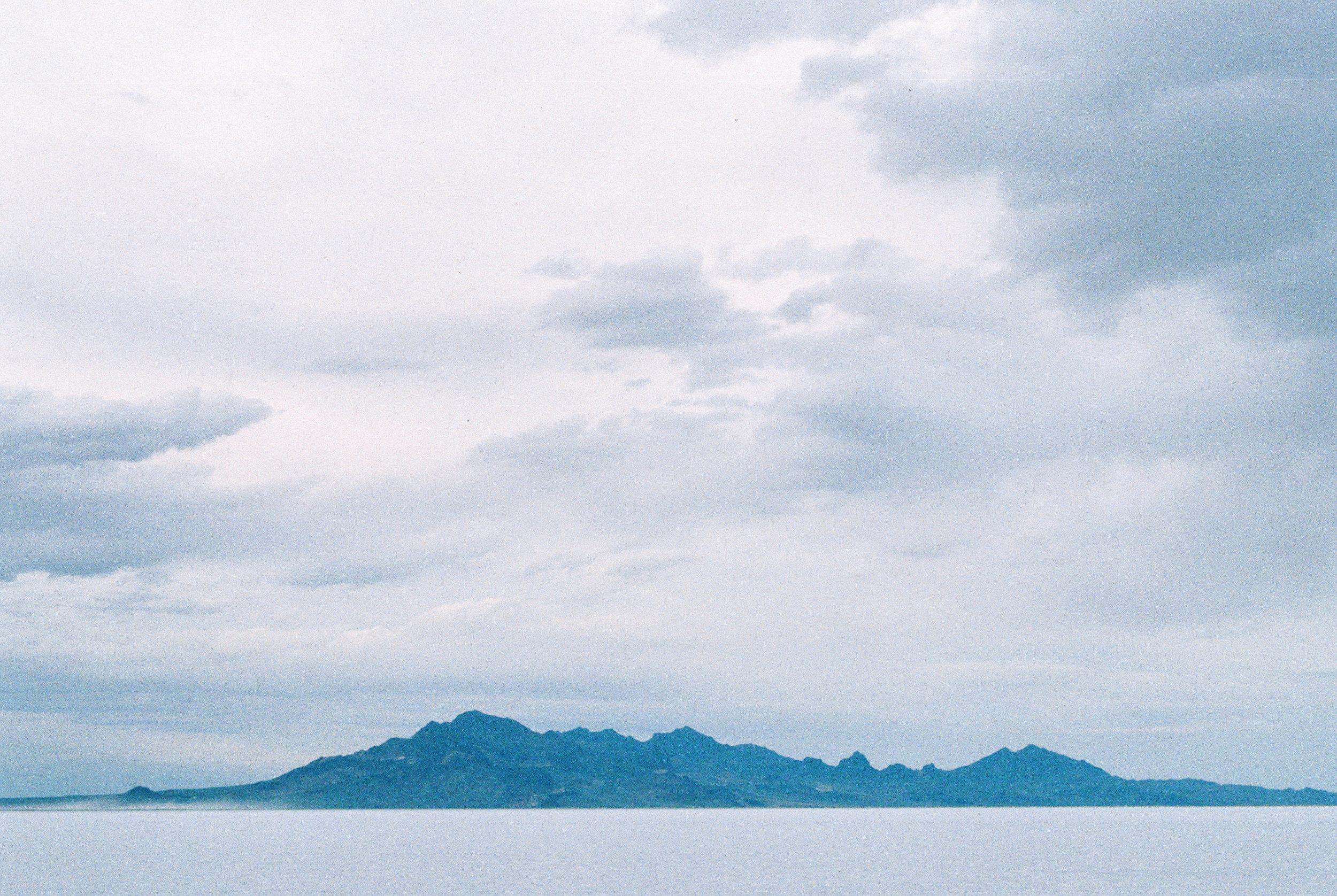 Bonneville Salt Flats mountains where to elope in Utah