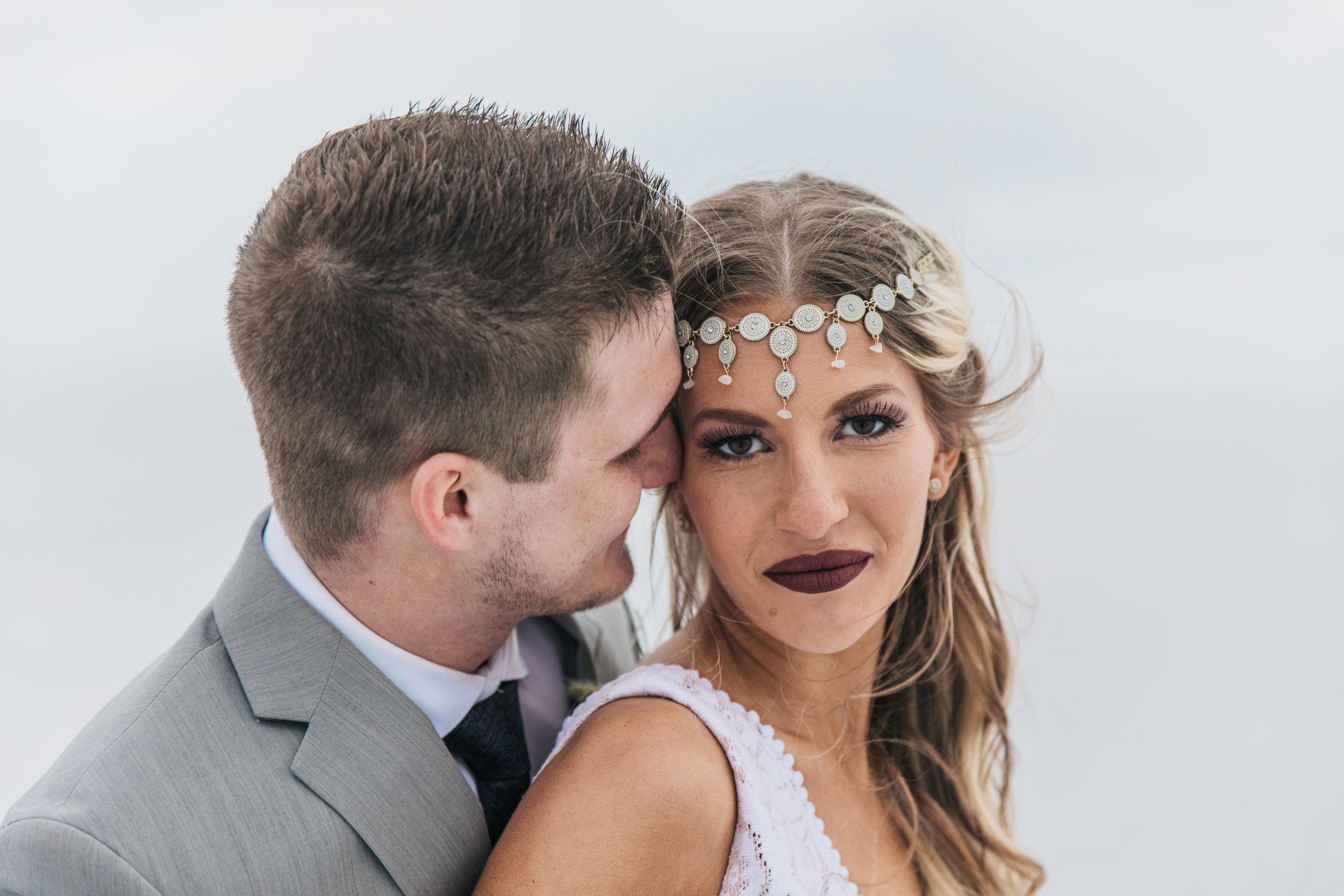 Beautiful wedding pictures Utah wedding photographers Kyle Loves Tori