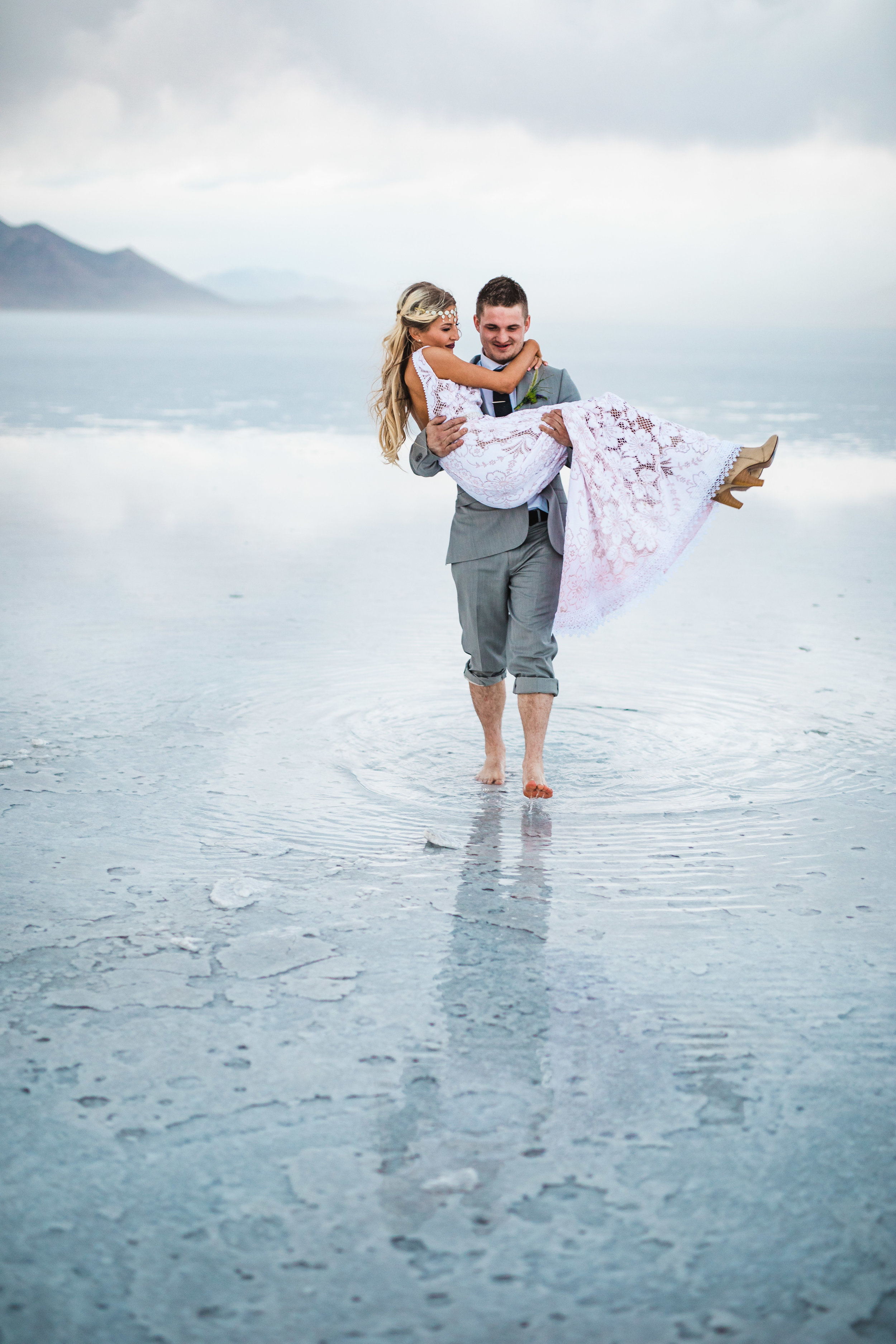 Epic destination wedding photography Bonneville Salt Flats
