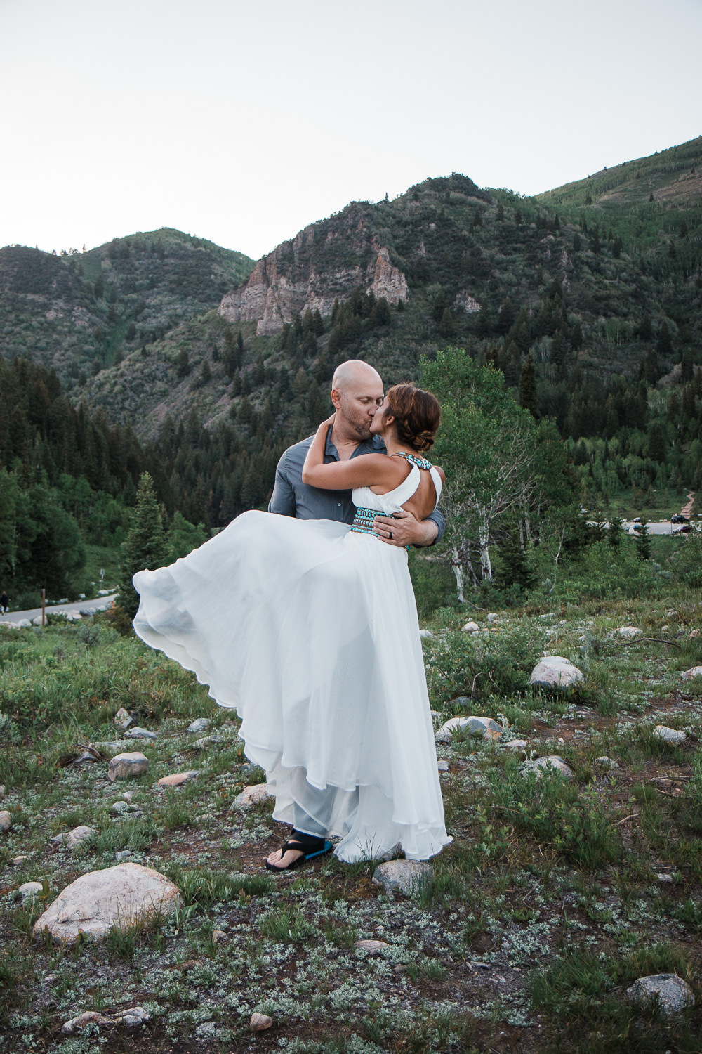 Gorgeous anniversary vow renewal in the mountains of Utah