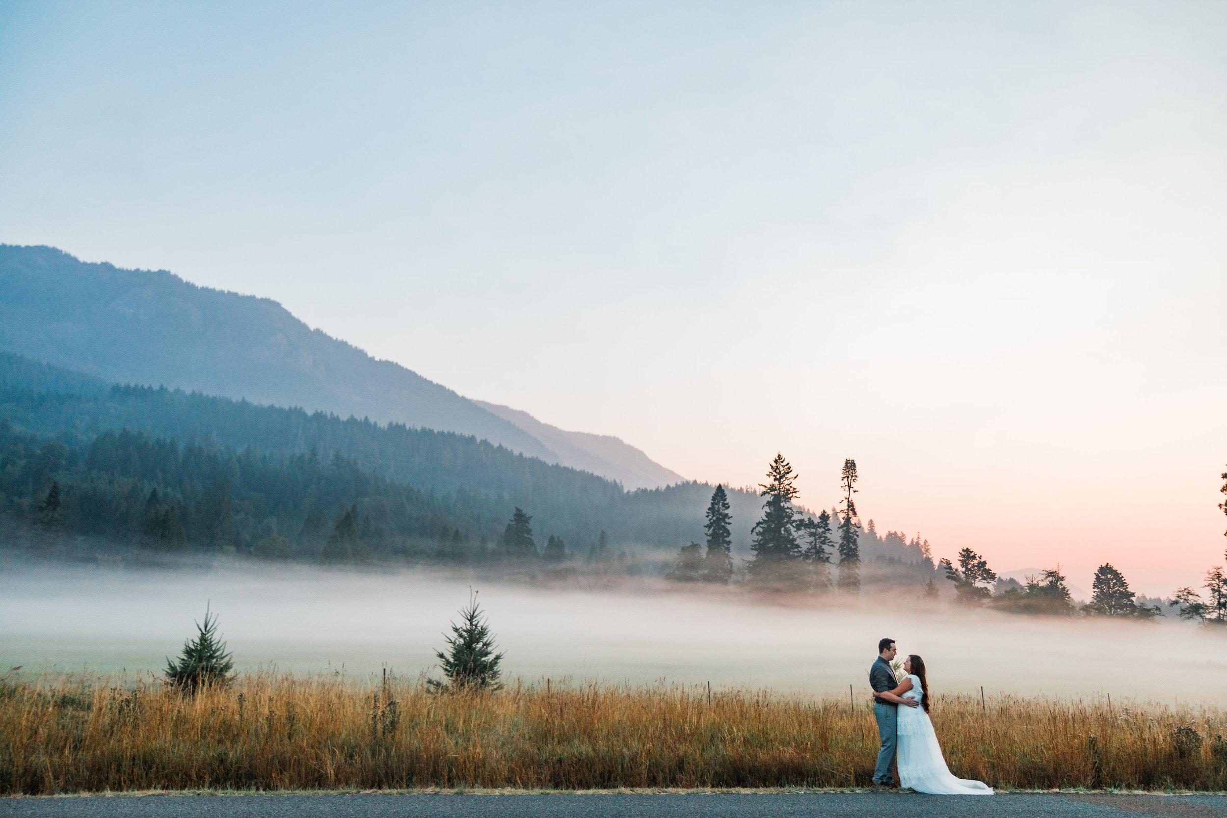 Sunrise Fog Mountain Bride Groom