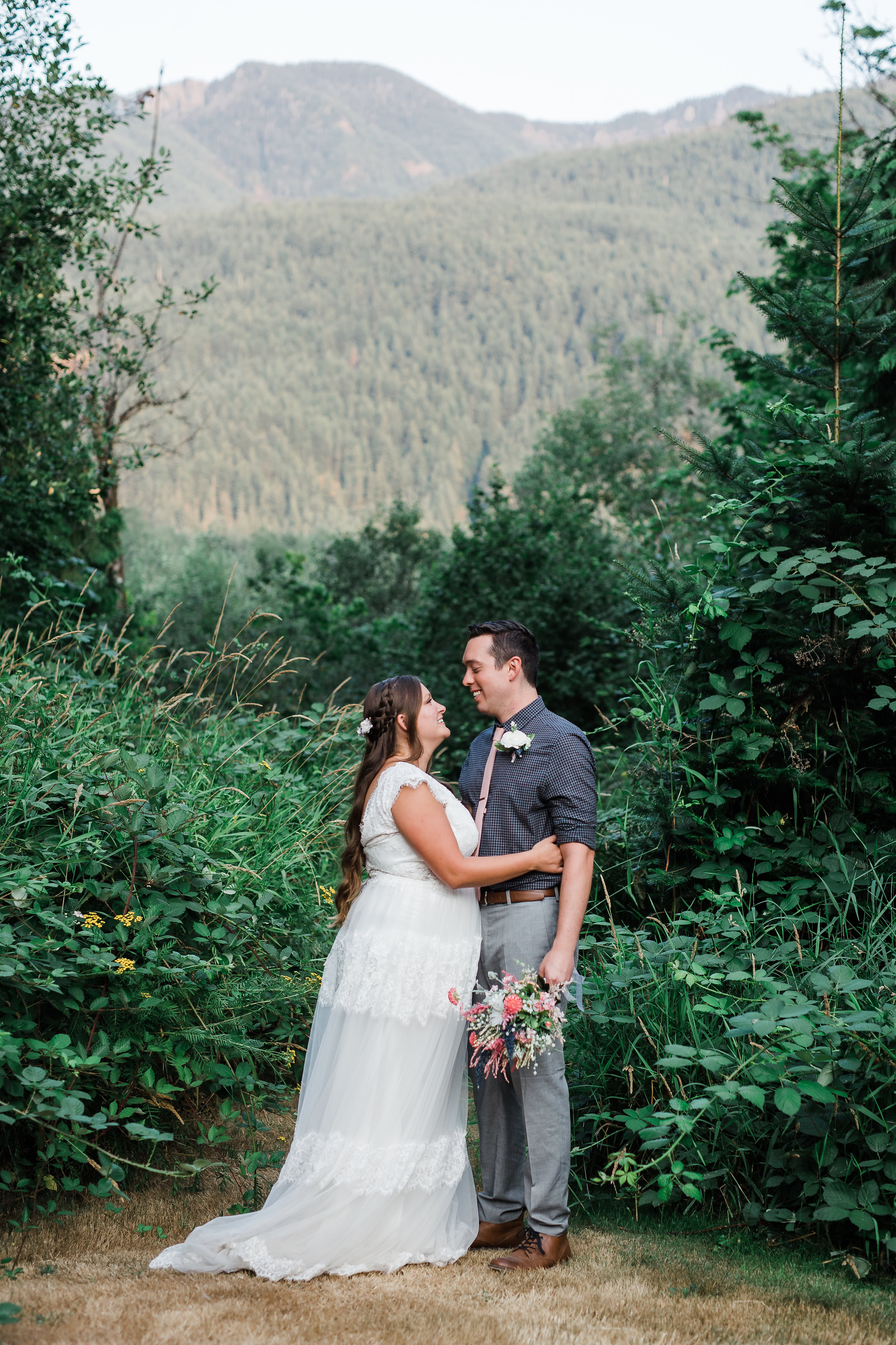 Mountain Cabin Intimate Wedding Washington