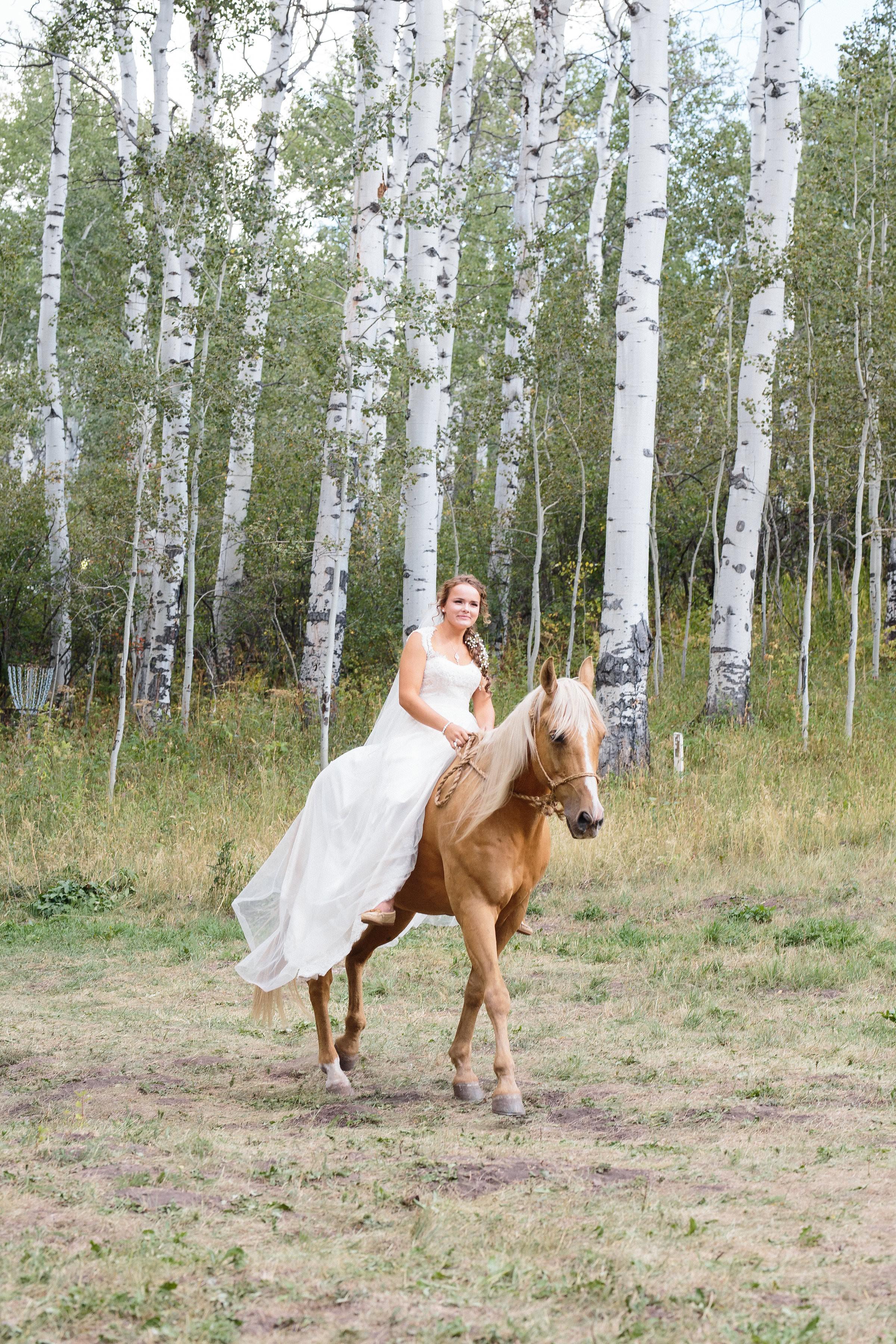 Bride Horse Boho Mountain wedding