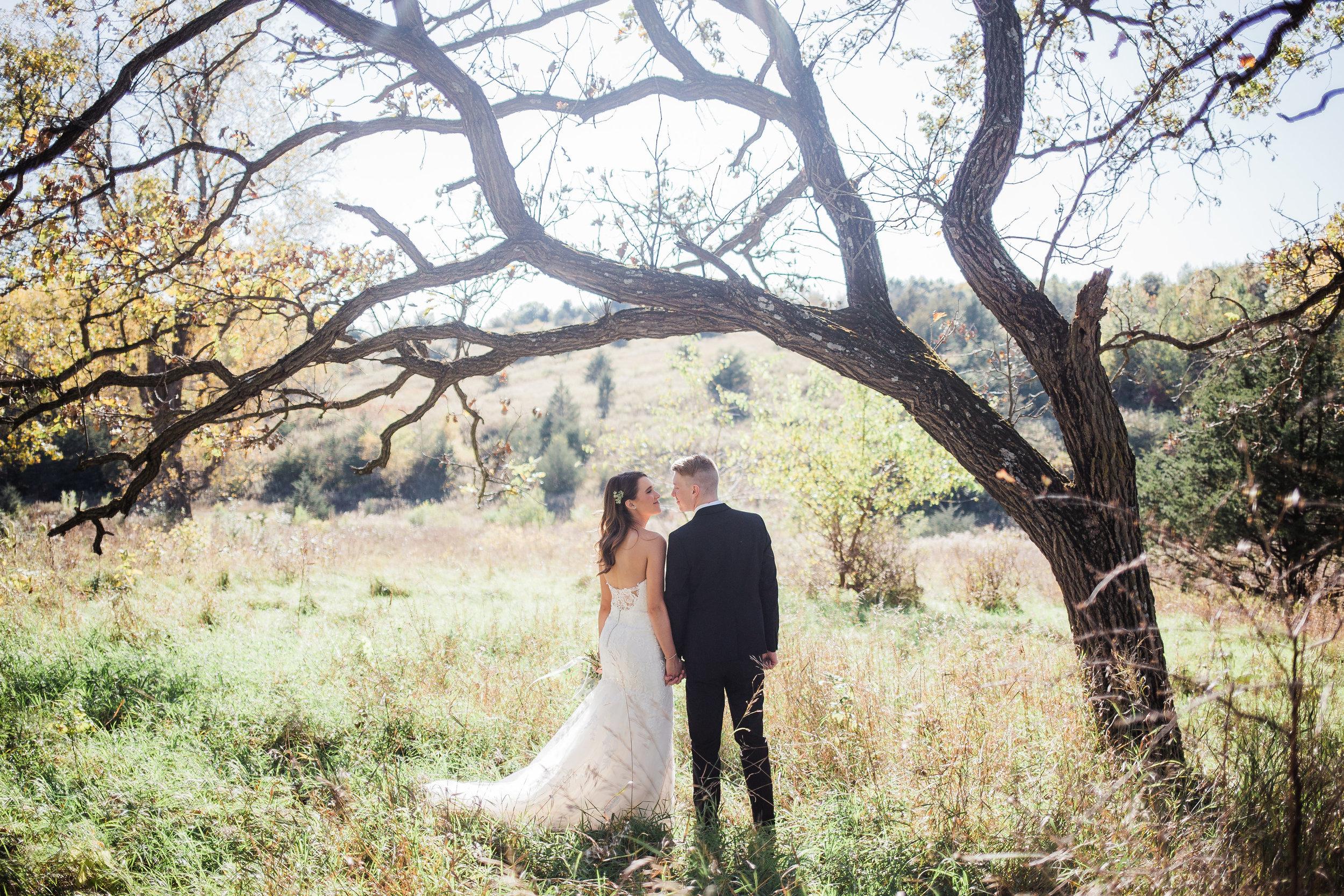 Modern midwest ranch wedding near Minneapolis Minnesota