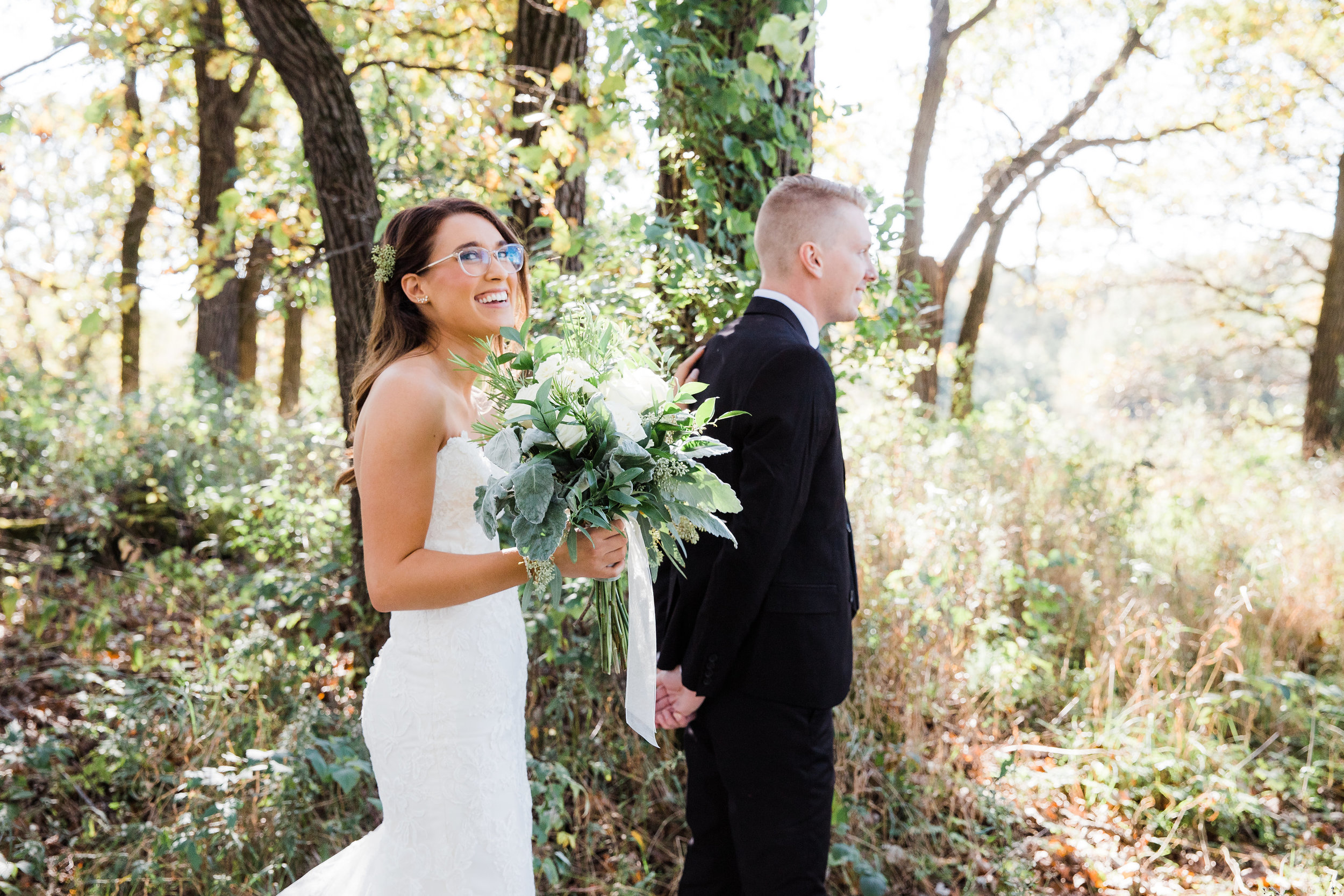 Gorgeous first look at Minneapolis ranch wedding