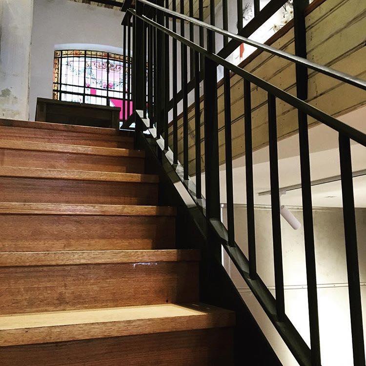 sub-urban-butchers-diner-staircase.jpg
