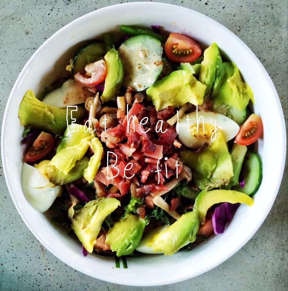 Bowl of happiness, plenty of veggies, avocado, tomato (good for your skin!)*I think i'm gonna share you guys the recipe hehe :D
