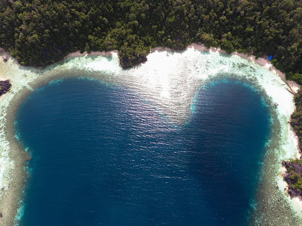 The enchanting view of Labengki Island.