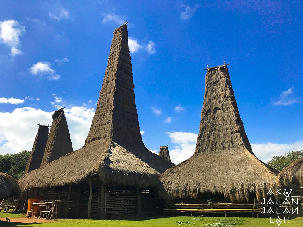 Asoka-Remadja---Desa-Ratenggaro-Sumba-Barat-1.jpg
