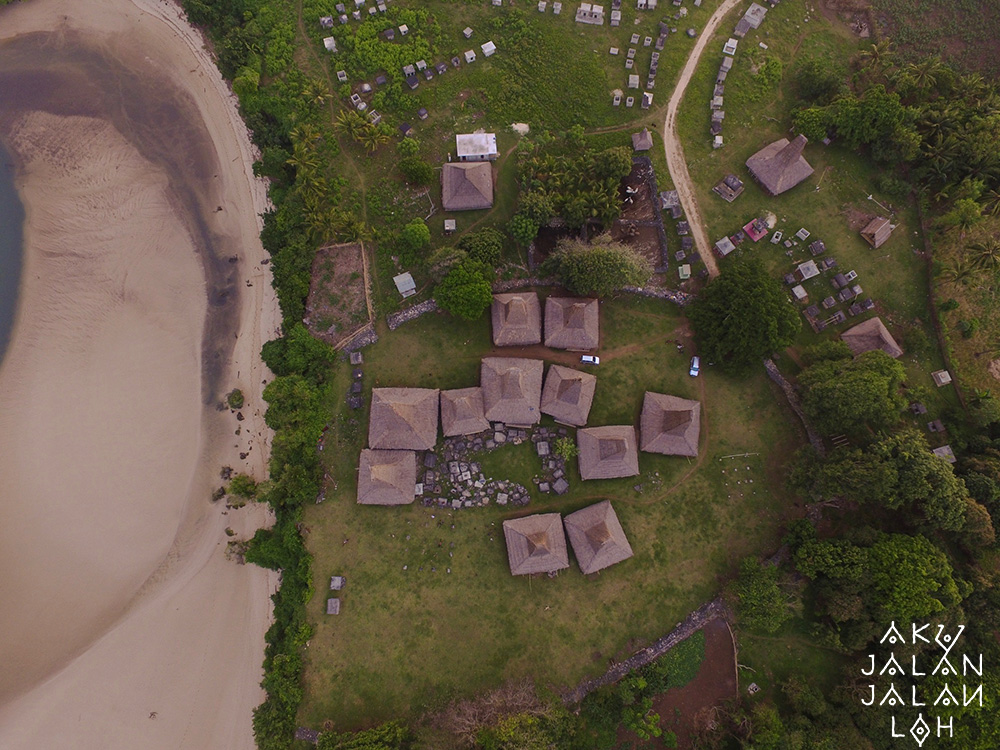 Asoka-Remadja---Desa-Ratenggaro-Sumba-Barat-2.jpg