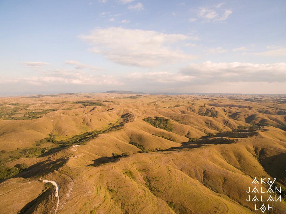 Bukit-Warinding-Sumba-Timur-Asoka-4.jpg