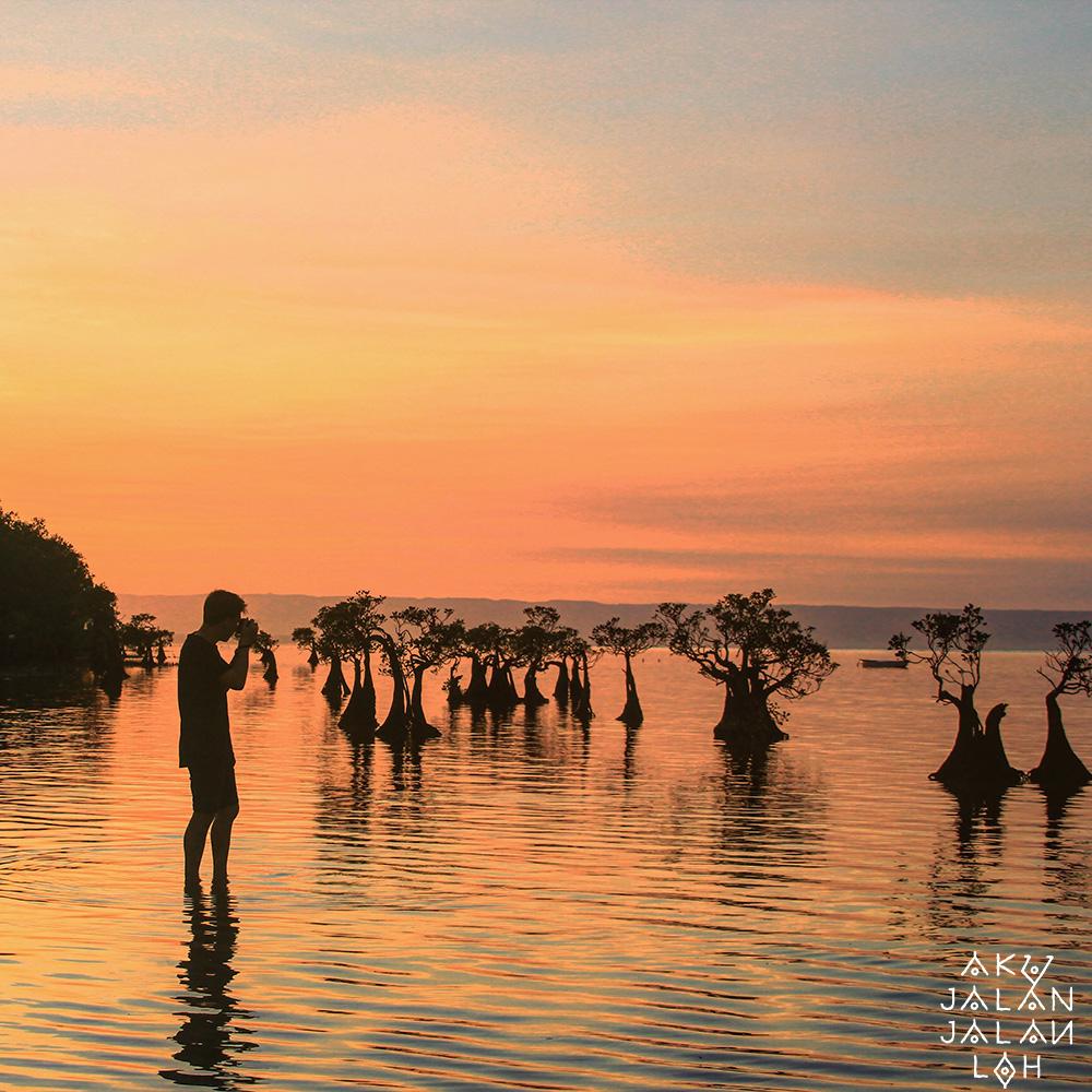 Pantai-Walakiri-Sunset-Sumba-Timur-3.jpg