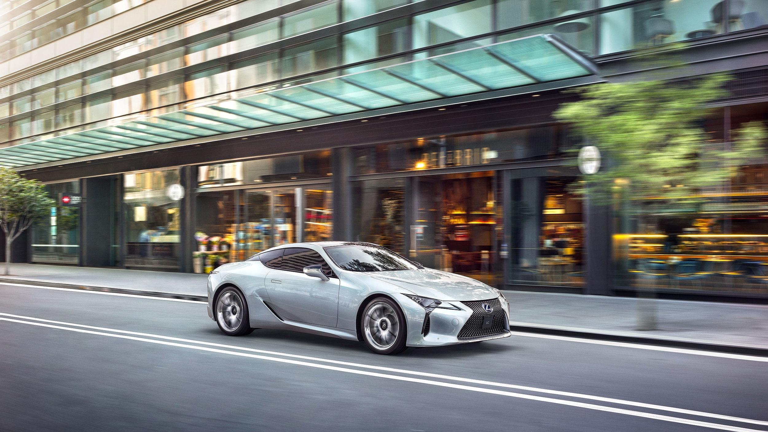 Lexus-visual1_v03_less-contrast.jpg