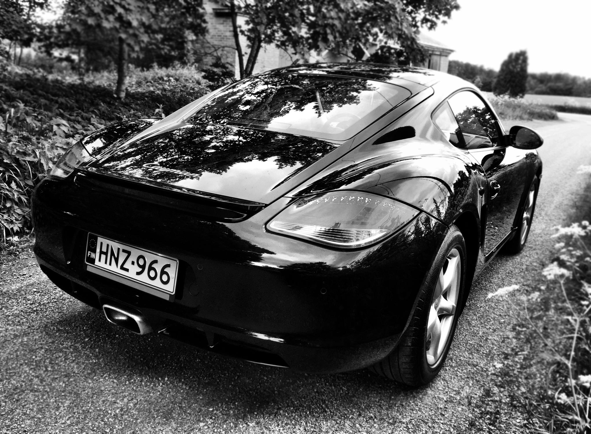 Porsche Cayman 5.jpg