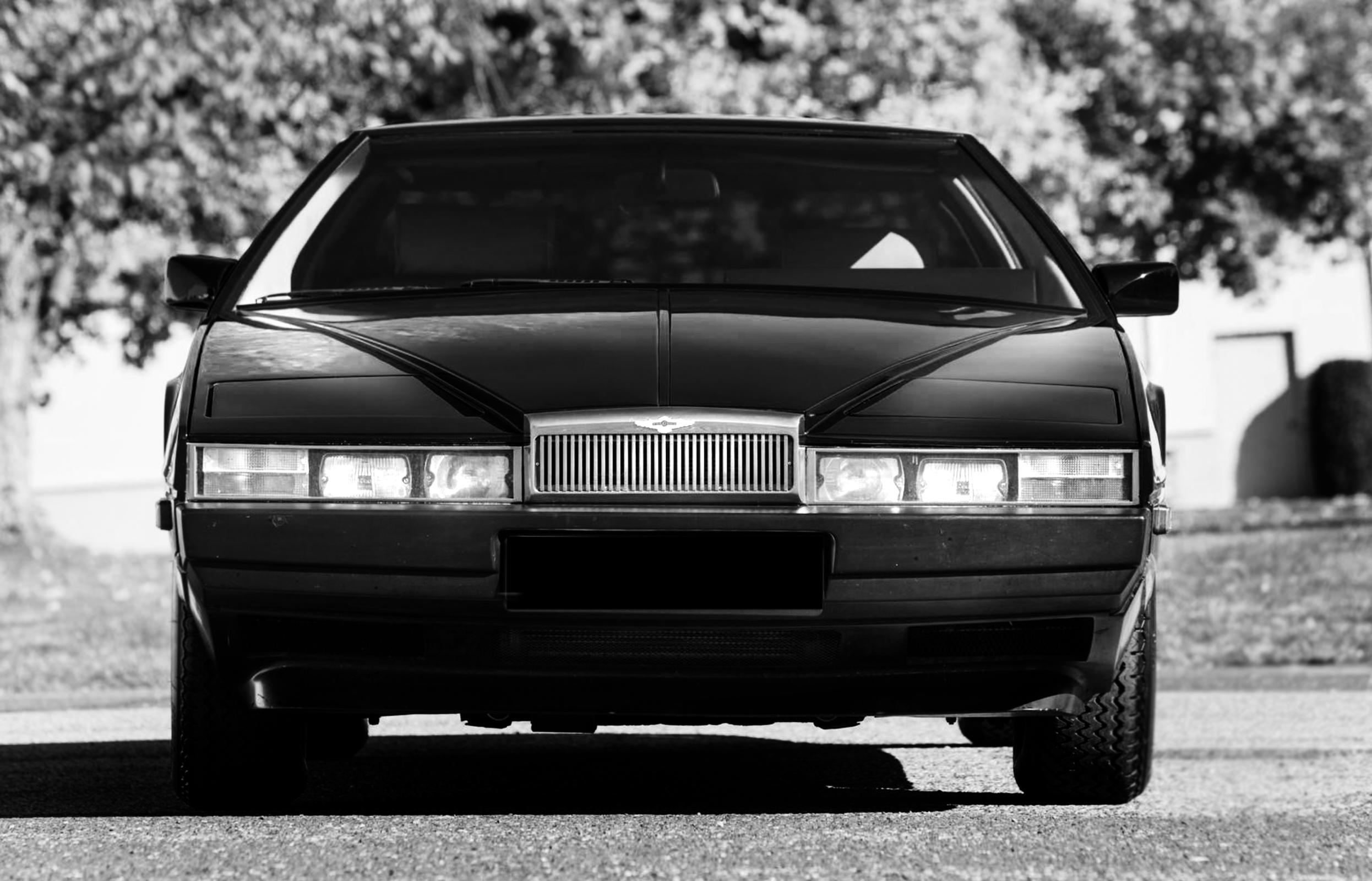 Aston Martin Lagonda 2.jpg