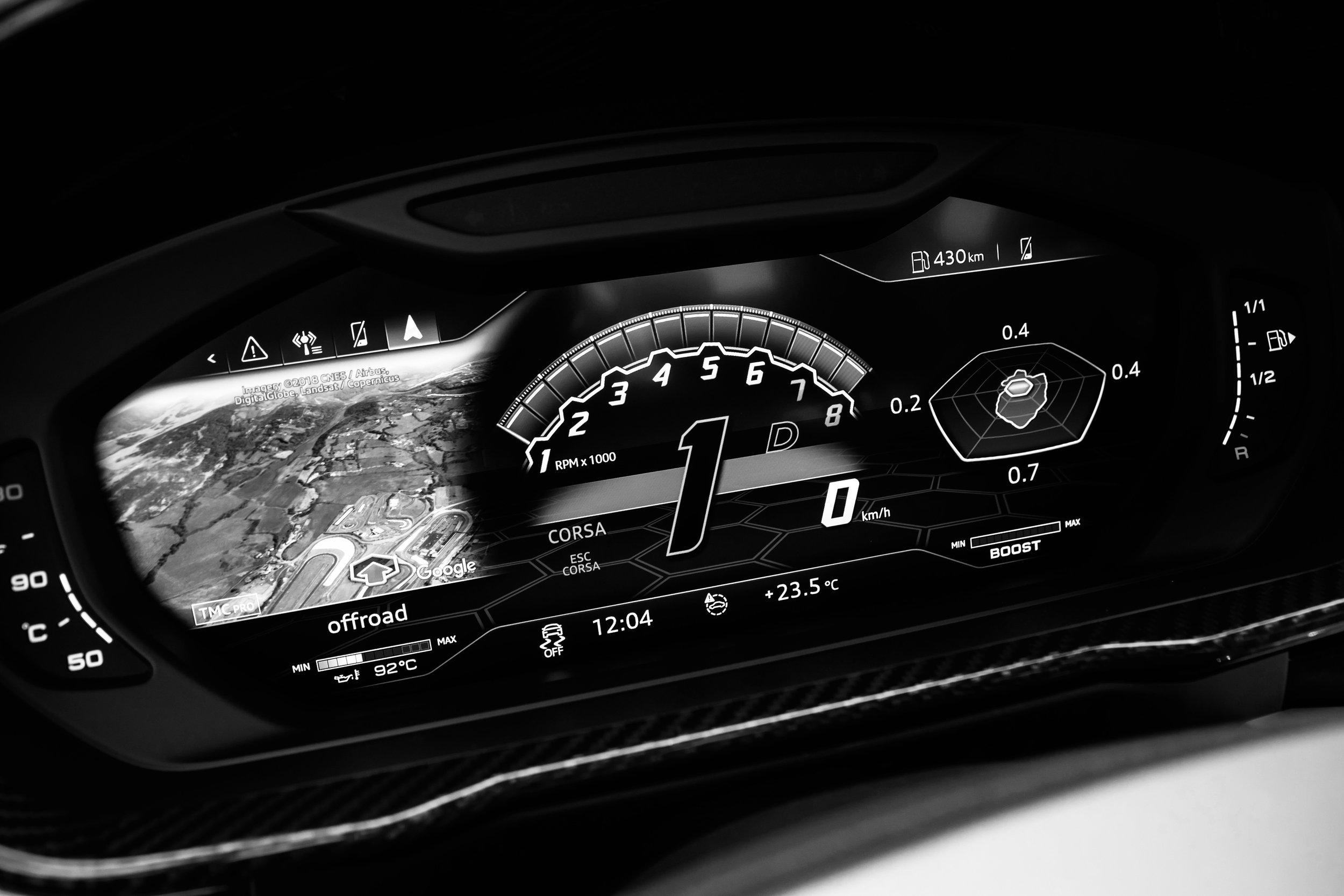 24. Lamborghini Urus - Dash.jpeg