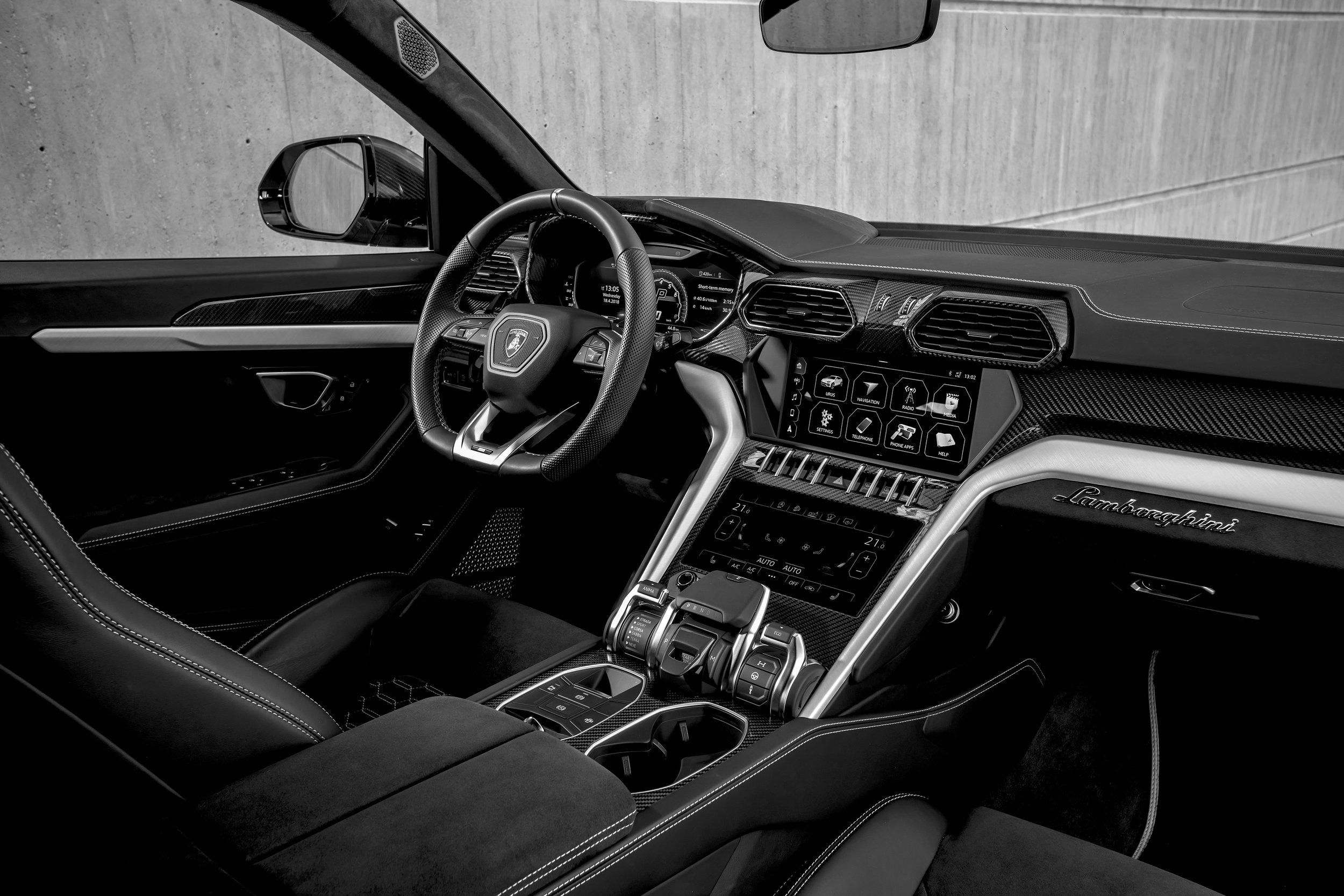 20. Lamborghini Urus - Drivers Seat.jpg