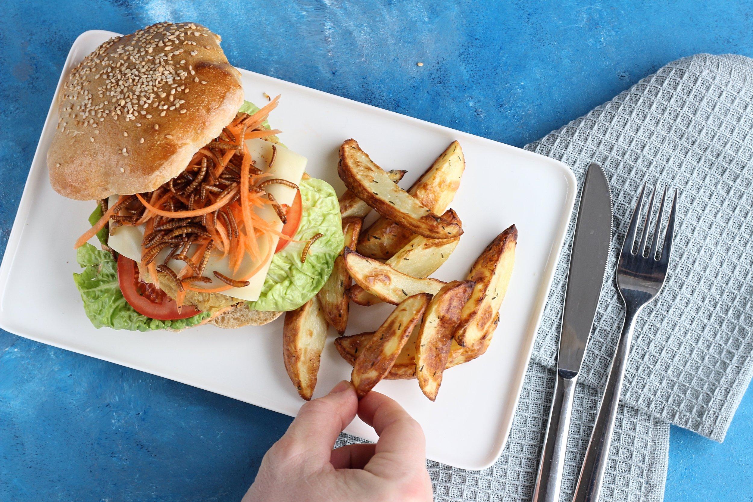 Orm & cheeseburger -