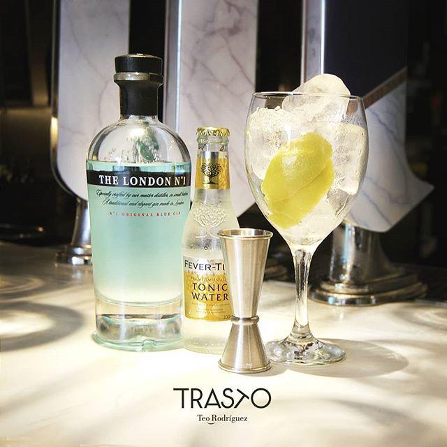 ¡Viernes! 👏👏👏👏 Sol, picoteo, amigos y un buen Gin Tonic ¿te apetece el plan? . #GinTonic #TrastoRestaurante #Valladolid #Afterwork #RestaurantesValladolid