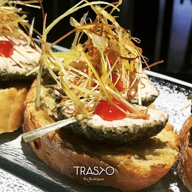 Y para la barra hoy tenemos estas tostas de foie con mermelada de tomate y crujiente de puerro ¡Recién hechas! 💥 . #Tosta #Foie #TrastoRestaurante #TrastoTapas #Valladolid #Delicious #RestaurantesValladolid #Instafood #foodpics