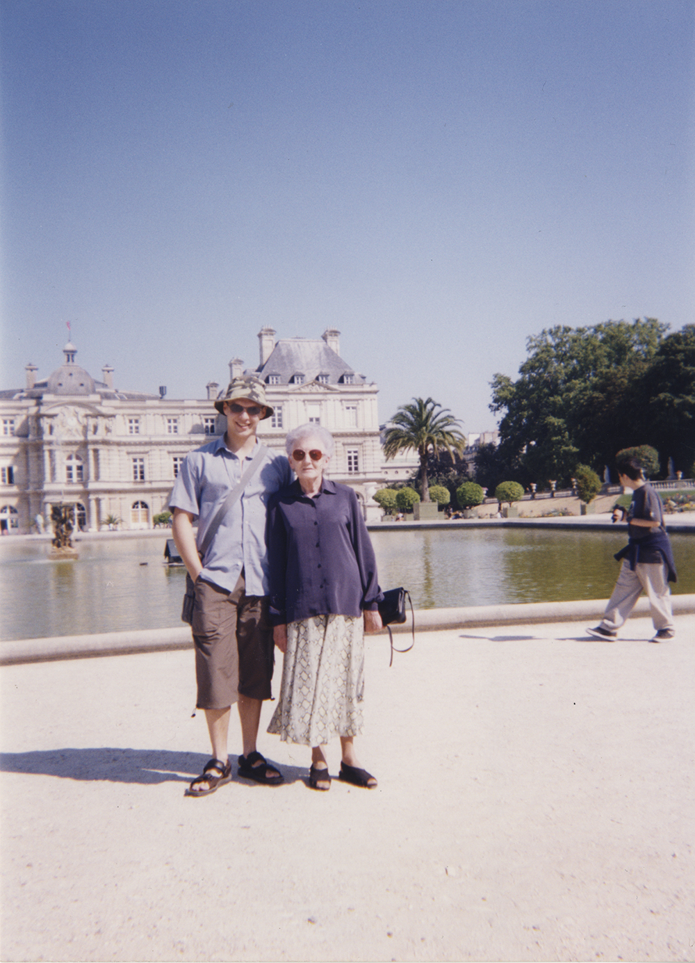 Liam and Nan P d Luxembourg.jpg