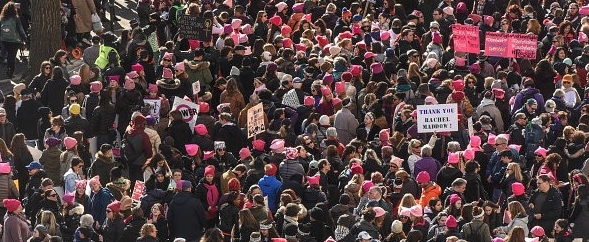 huge-crowds-rally-at-womens-marches-across-the-us-31b393e9c00ea945.jpg