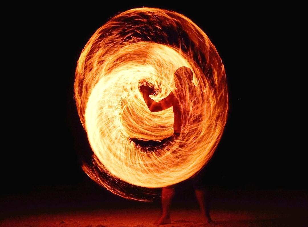 fireball-1149724_1920.jpg