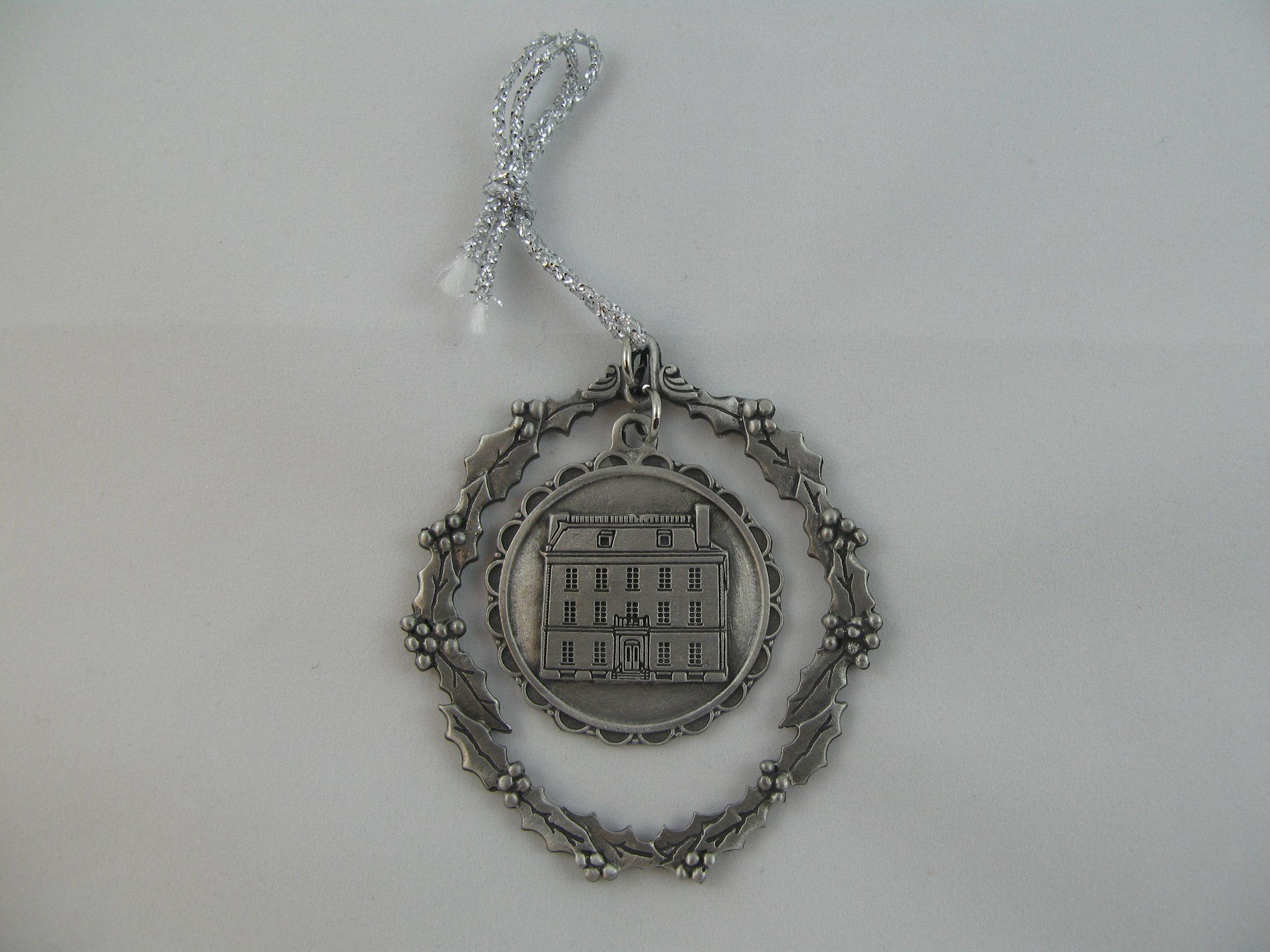 Ornament 3.JPG