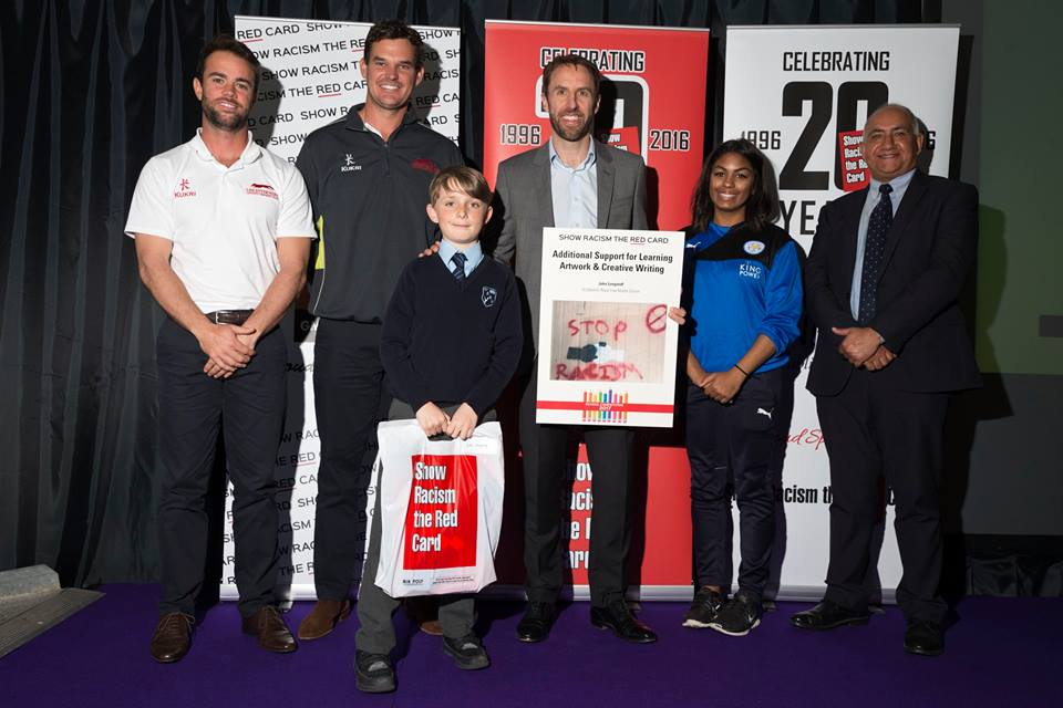 Gareth Southgate presents prizes to the competition winners at the awards ceremony in 2017
