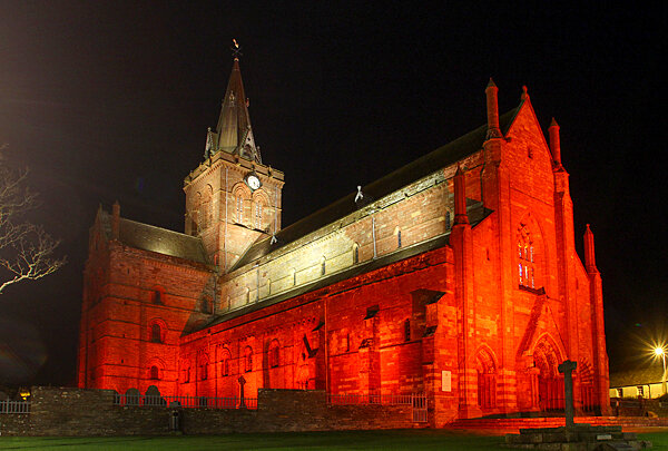 St. Magnus Cathedral, Kirkwall, Orkney.jpg